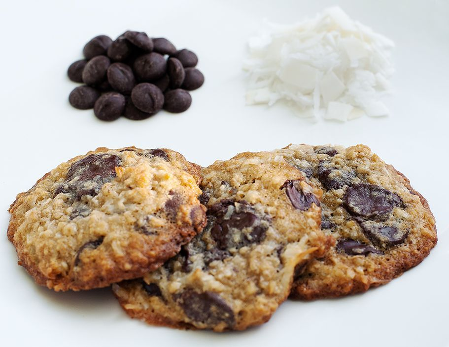 dark-chocolate-oatmeal-coconut-cookies