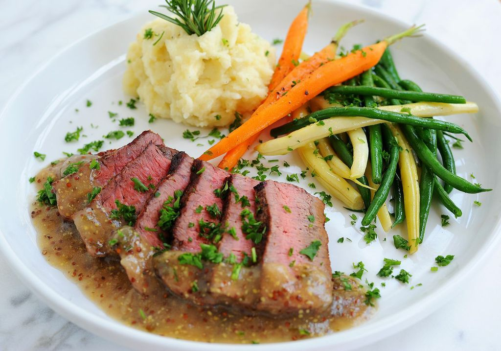 grilled-filet-mignon-with-cognac-mustard-sauce