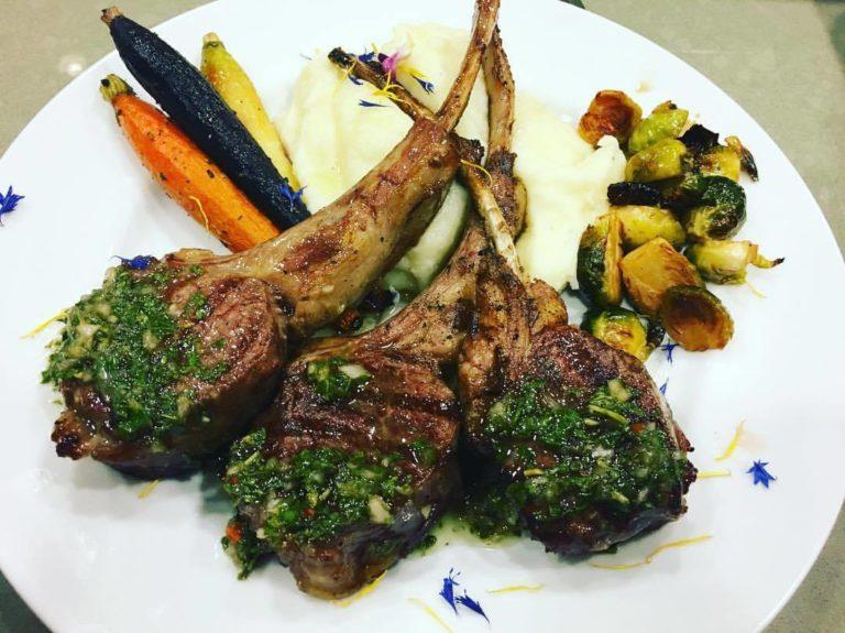 grilled-lamb-chops-with-mint-chimichurri