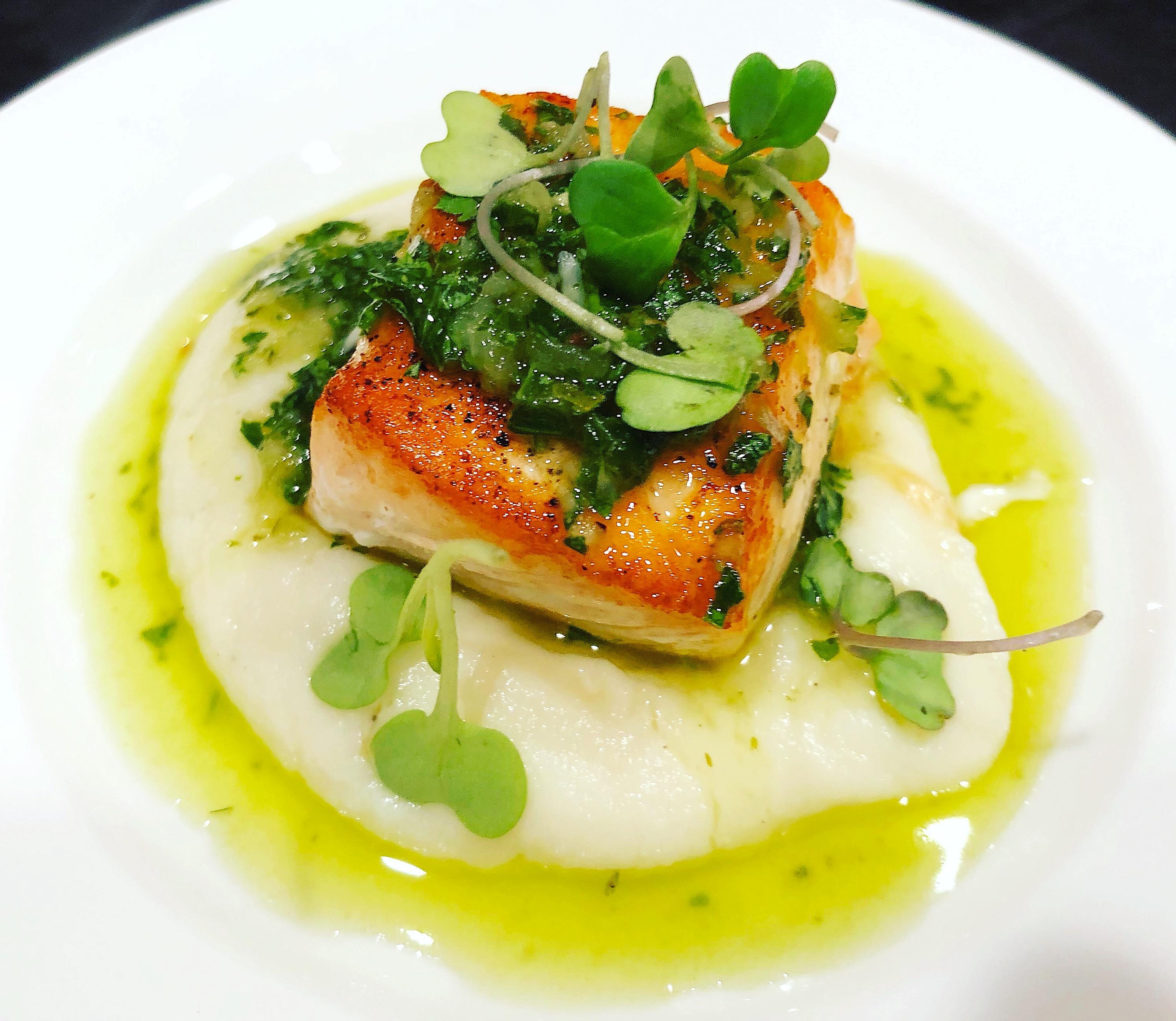 pan-seared-salmon-with-chimichurri