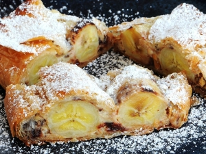 chocolate-banana-strudel