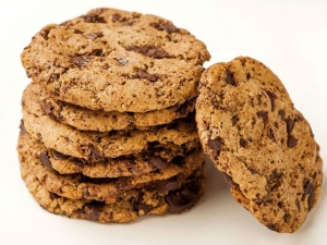 gluten-free-almond-butter-dark-chocolate-cookies