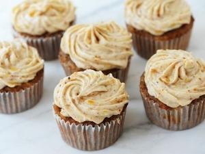 gluten-free-banana-pineapple-cupcakes