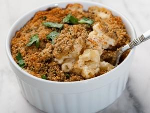 gourmet-mac-n-cheese-with-truffle-oil