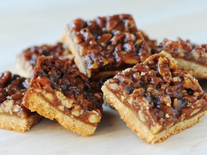 pecan-pie-brittle-bars