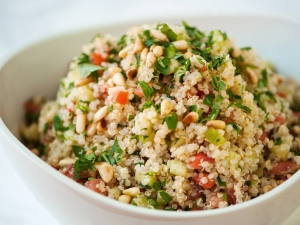 refreshing-quinoa-salad