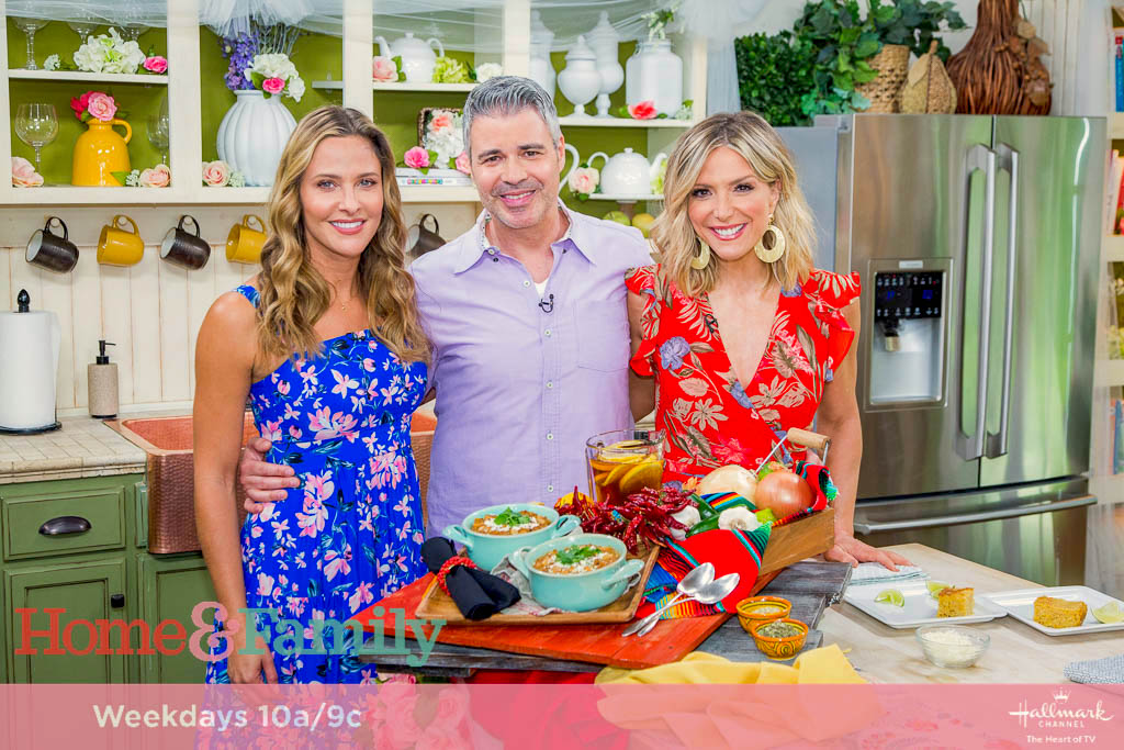 Debbie Matenopoulos is joined by guest co-host and Hallmark star Jill Wagner. WNBA All-Star and